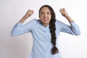 bruxismo donna trattamento osteopatico